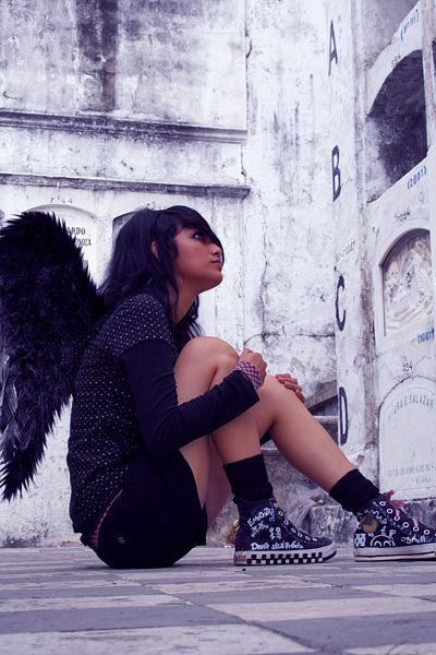 400pxemo_girl_02_posing_01